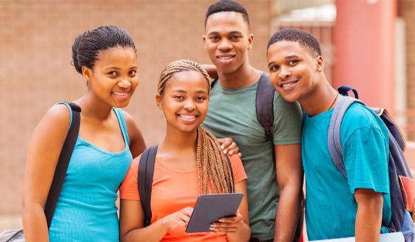 Instituições de ensino têm que reservar parte de suas bolsas para pretos, pardos e indígenas