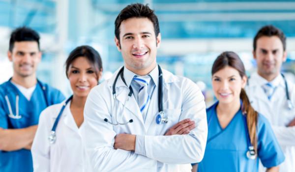 Medicina é uma profissão que oferece prestígio social e salário elevado