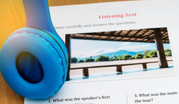 Muitas instituições de ensino de países de língua inglesa exigem provas de conhecimento no idioma como o IELTS e o TOEFL