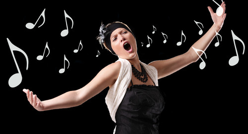 O curso prepara profissionais para atividades de performance vocal