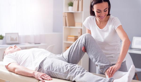 O fisioterapeuta avalia e diagnostica as alterações cinético-funcionais de órgãos e sistemas do corpo humano.