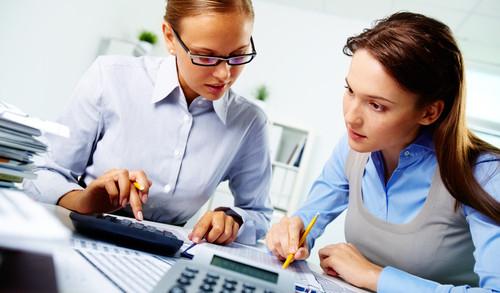 O Técnico em Contabilidade auxilia em trabalhos de auditoria.