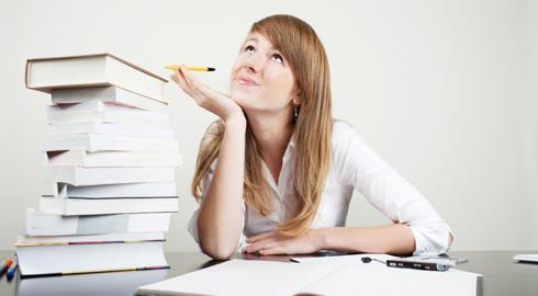 Os exames podem ser prestados aqui mesmo no Brasil, em centros e agências autorizadas.