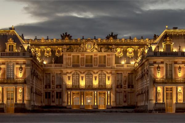 Tratado foi assinado no Palácio de Versalhes, durante a Conferência de Paz de Paris