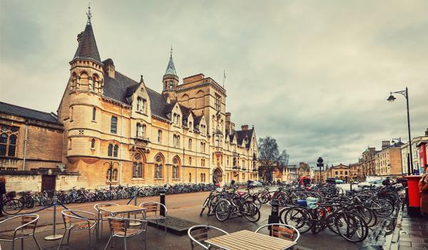 Perguntas voltadas para cada curso são feitas em entrevista de admissão da Universidade de Oxford