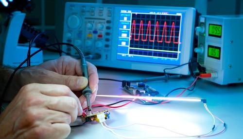 Uma das funções do técnico em eletrônica é a manutenção de equipamentos eletrônicos