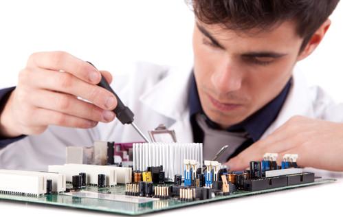 Uma das funções do Técnico em Informática é a manutenção de periféricos