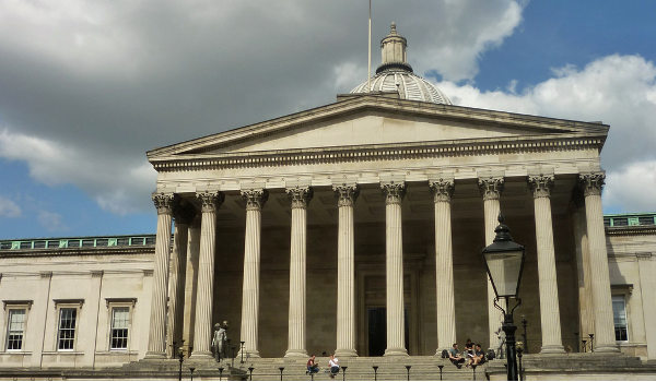 Fachada da University College London (UCL)