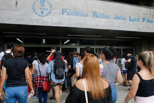 Estudantes fazem segundo dia de provas do Enem 2019 (Crédito: Fernando Frazão/Agência Brasil)