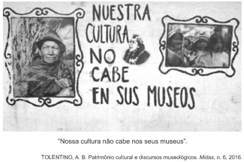 """Cartaz com fotos de população indígenas e onde se lê: """"Nossa cultura não cabe nos seus museus""""."""