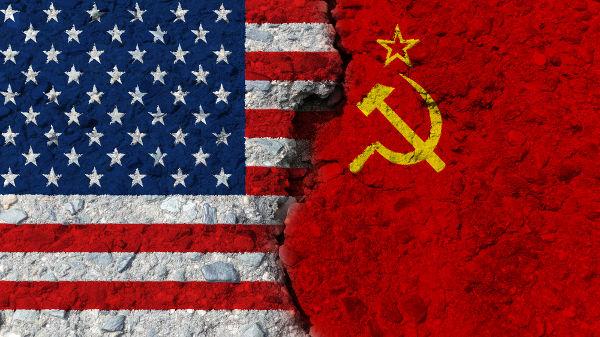 A Guerra Fria foi resultado da rivalidade ideológica existente entre os Estados Unidos e a União Soviética.[1]
