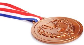 Medalha de bronze, uma liga metálica que é uma solução sólida