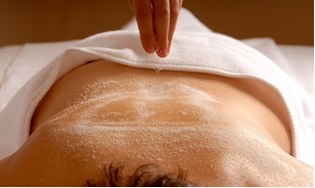 O sulfato de magnésio é usado como sal em massagens