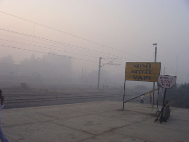Vista da poluição na cidade de Vapi, na Índia