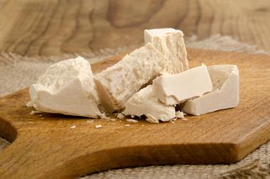 Fermento biológico usado na preparação da massa de pão
