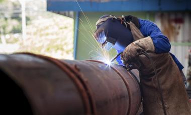 As indústrias contribuem para a geração de empregos