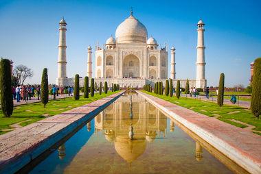 O Taj Mahal é uma construção feita em homenagem à esposa do Imperador Shah Jahan, está situado na cidade de Angra