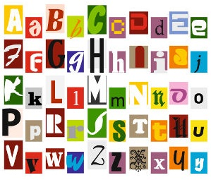 O alfabeto é composto por vinte e seis letras e cada uma delas é representada com uma forma maiúscula e outra minúscula