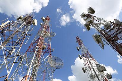 As torres de celular tornaram-se mais comuns em virtude da necessidade de ampliação da cobertura móvel.