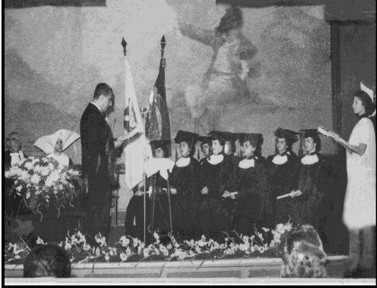 Formatura na Escola de Enfermagem Carlos Chagas em 1958