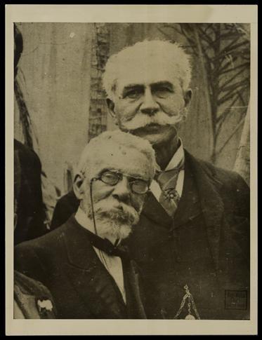 Machado de Assis e Joaquim Nabuco fundaram a Academia Brasileira de Letras (foto de Augusto Malta / Biblioteca Nacional)