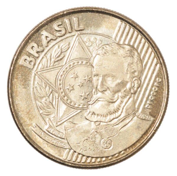 Moeda com retrato do primeiro presidente do Brasil, o marechal Deodoro da Fonseca.