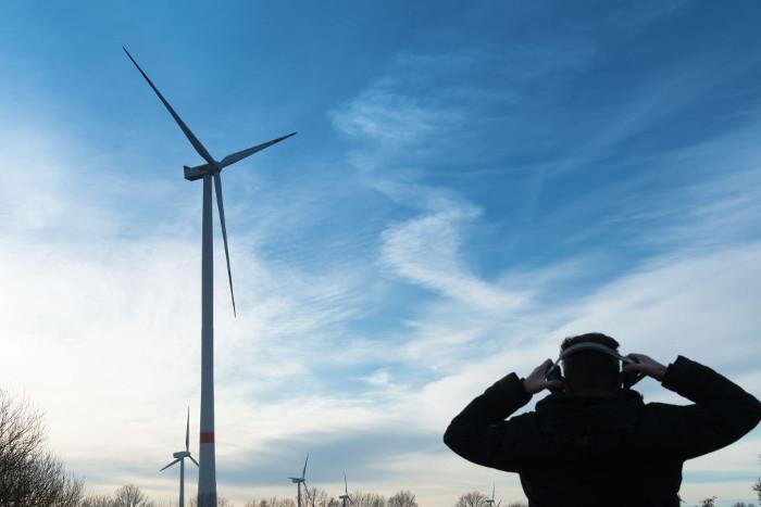 As turbinas eólicas produzem ruídos muito intensos e de baixa frequência.