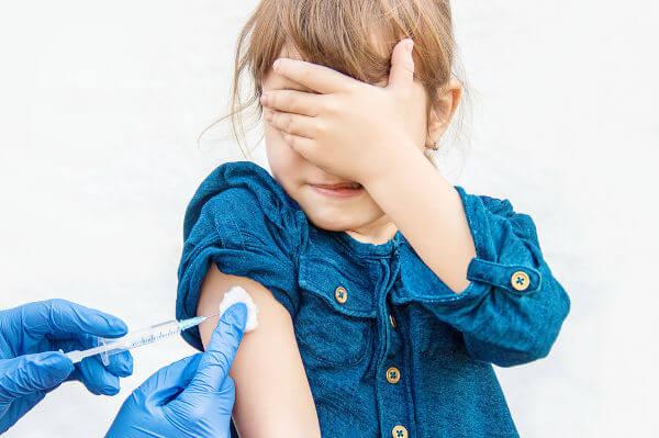 A vacinação foi responsável pela erradicação de várias doenças.