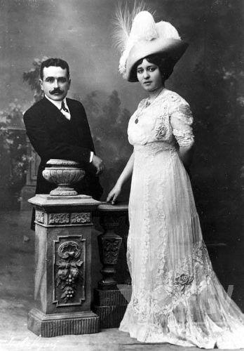 Em 1911, Vargas casou-se com Darcy Sarmanho, filha de um estancieiro gaúcho. [1]