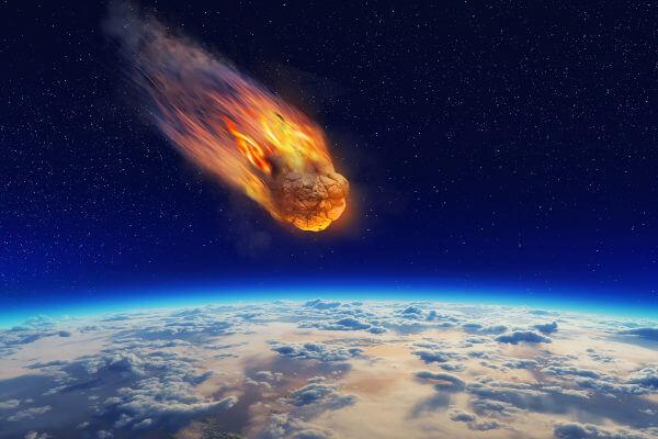 De acordo com a teoria da panspermia, a vida pode ter chegado ao planeta por meio de um meteorito.