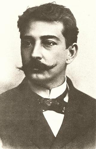 Aluísio Azevedo é autor de obras naturalistas marcantes.