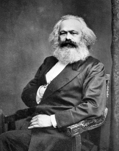 Karl Marx foi um dos pilares para os estudos sociológicos.