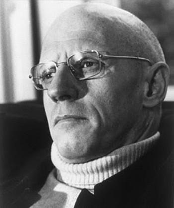 Um dos mais importantes filósofos do século XX, Foucault modificou as estruturas metodológicas da filosofia e das ciências humanas.