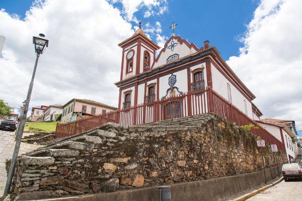 Chica da Silva foi enterrada na Igreja de São Francisco de Assis, em Diamantina.[2]