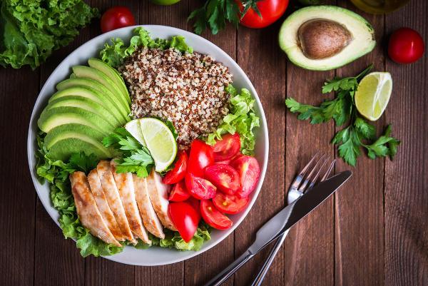 Quanto mais colorida uma refeição, mais nutrientes ela apresenta.