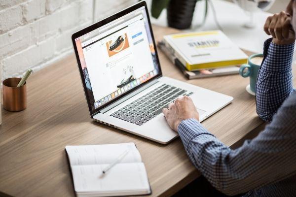 Internet é o meio de trabalho de diversas profissões em alta para 2021