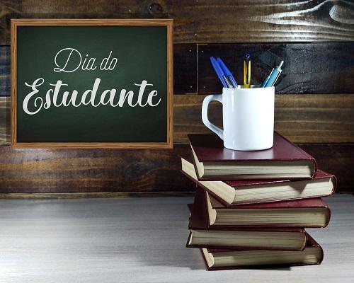 O Dia do Estudante é comemorado, no Brasil, em 11 de agosto.